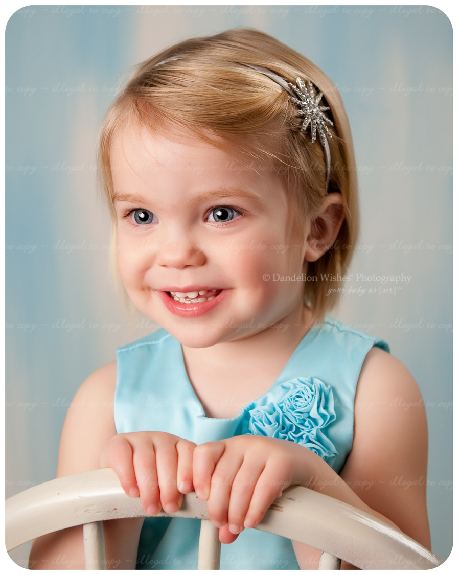 Artistic baby photos photography studio near Ashburn,VA, 20146, 20147, 20149 and Brambleton, Virginia, 20148.