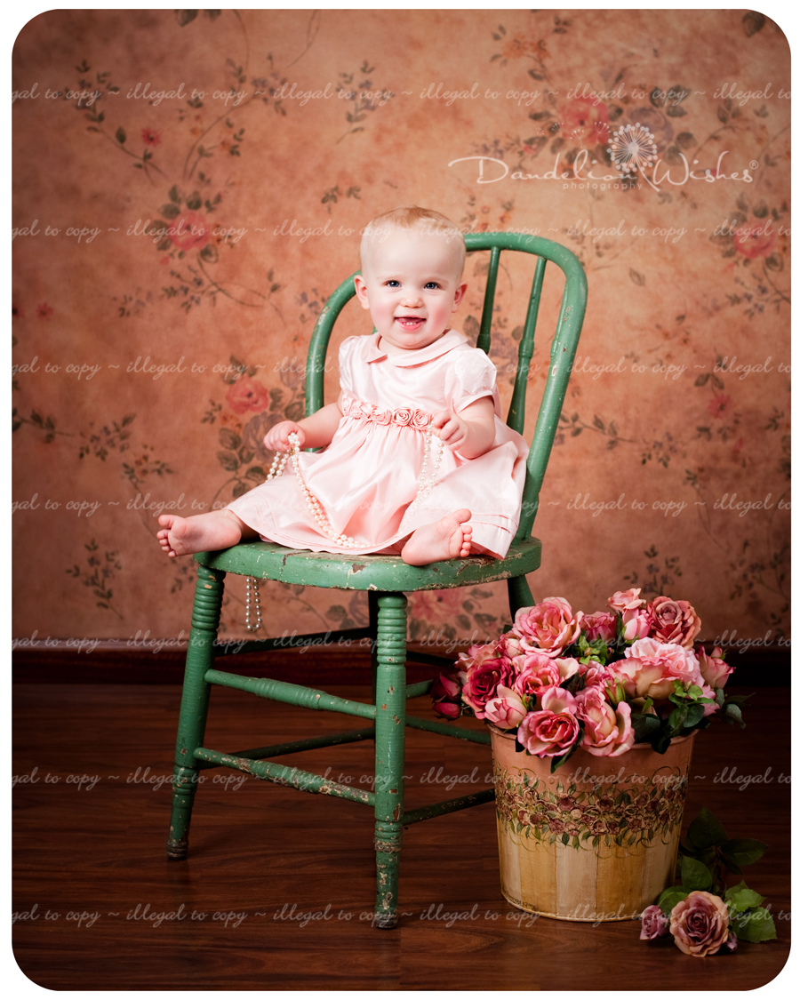 Best baby photographer near Woodbridge, VA 22191, 22192, 22193, 22194 & 22195