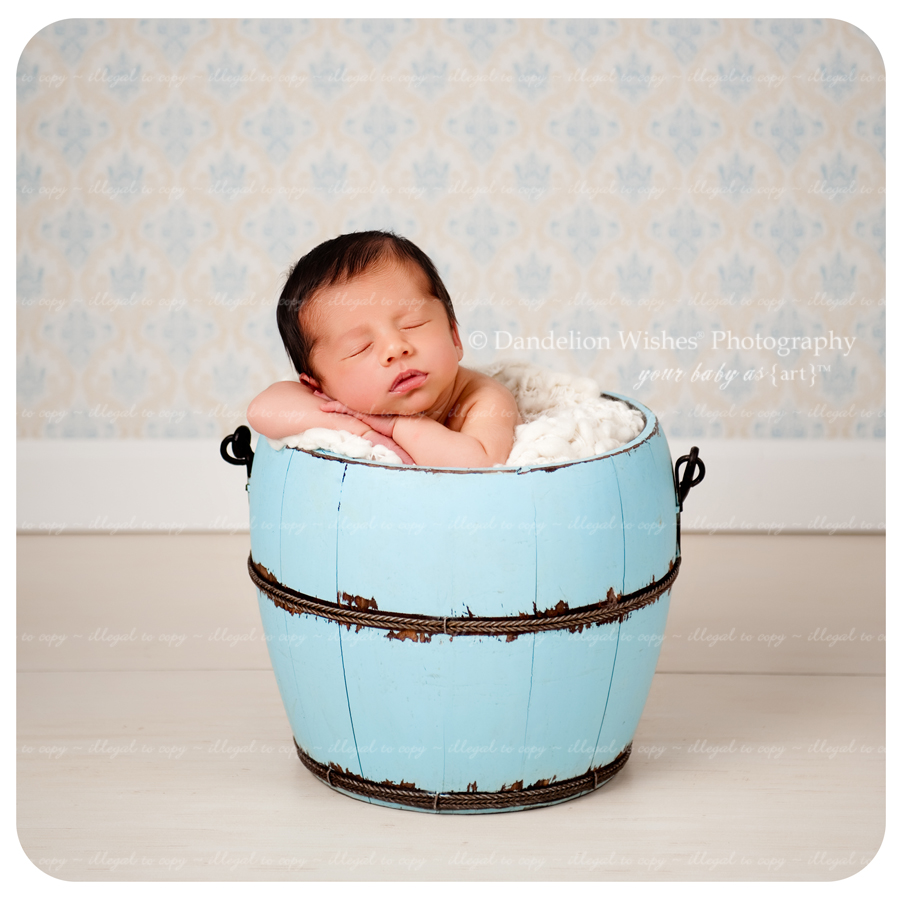 Newborn baby picture photographer near Culpeper, Virginia 22701.